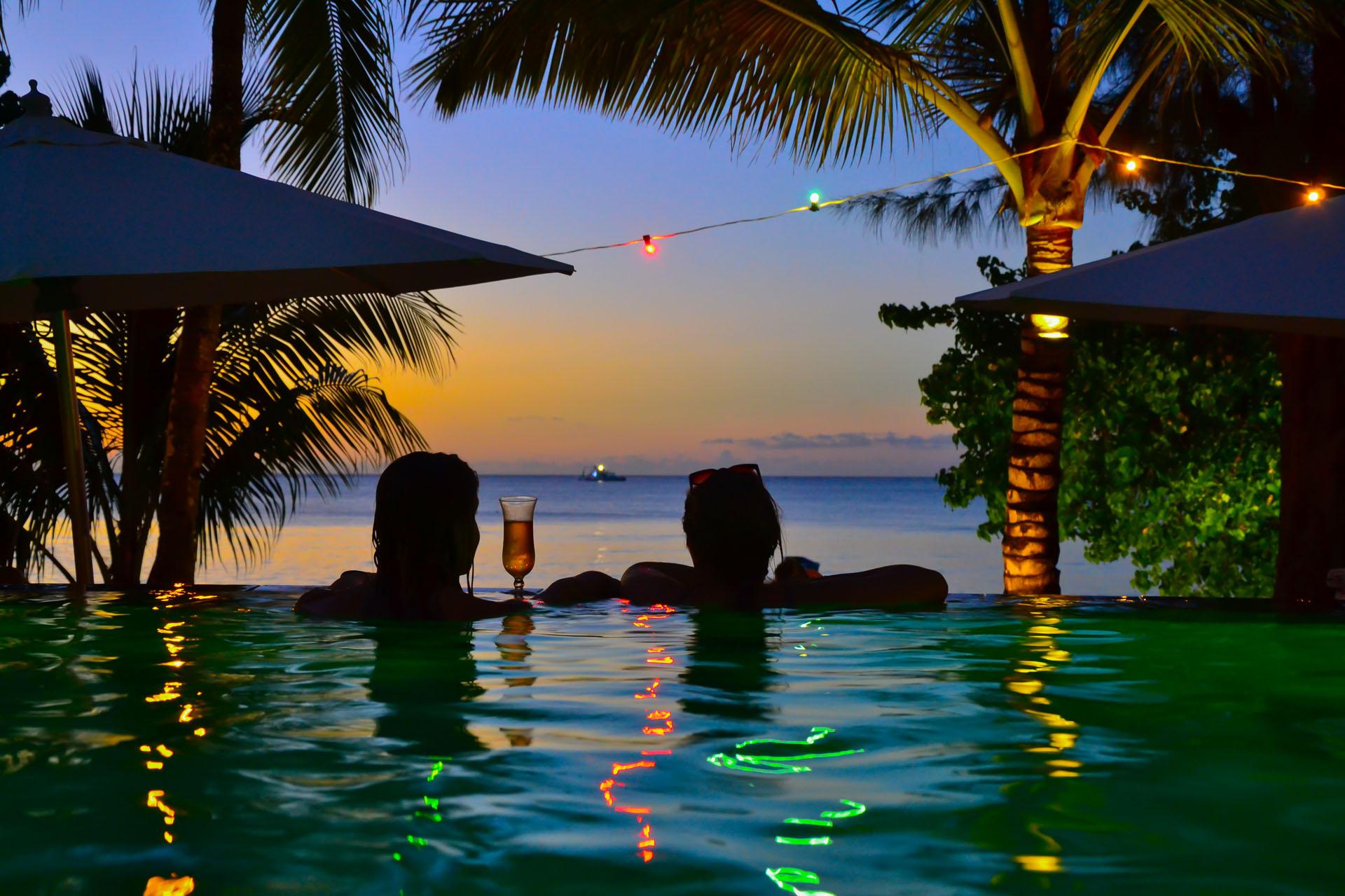 Mystik-Life-Style-pool-view