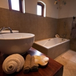 Bathroom in the Courtyard/ Family Suite, Casa Rex Boutique Hotel, Vilanculos, Mozambique